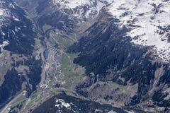Empalme de la carretera de Airolo y camino del paso de Gotthard, Suiza imágenes de archivo libres de regalías