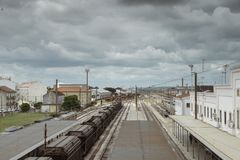 Empalme del ferrocarril de Entroncamento en el distrito de Santarem de Portugal Entroncamento significa literalmente el empalme a Fotos de archivo
