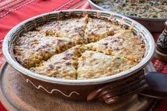 Empanada de la patata con las verduras y el queso Fotos de archivo