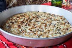 Empanada de la patata con las verduras y el queso Foto de archivo libre de regalías