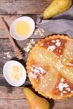 Empanada de la pera con las almendras Fotografía de archivo