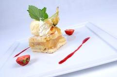 Empanada de manzana caliente con el helado de vainilla [2] Fotografía de archivo libre de regalías