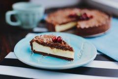 Empanada del chocolate con requesón imagenes de archivo