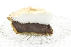 Empanada del merengue del chocolate en el fondo blanco Fotografía de archivo