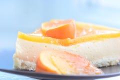 Empanada deliciosa de la fruta en una placa Fotografía de archivo