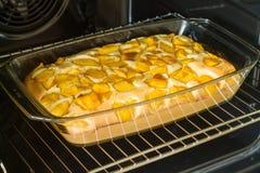 Empanada dulce con el melocotón Imagen de archivo libre de regalías