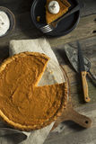 Empanada festiva hecha en casa de la patata dulce Foto de archivo libre de regalías