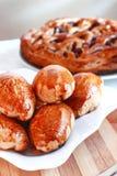 Empanada recientemente cocida con el atasco panadería fotos de archivo
