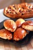 Empanada recientemente cocida con el atasco panadería foto de archivo