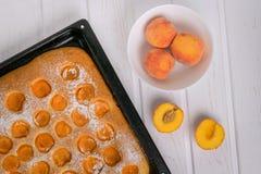 Empanada recientemente cocida usando la fruta fresca Consumición sana imágenes de archivo libres de regalías