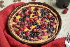 empanada Tartas de la fruta con las bayas frescas dulces imagen de archivo libre de regalías