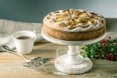 Empanada y postres de Apple en la tabla Fiesta del té en un estilo rústico Todavía del otoño vida dulce Fotos de archivo