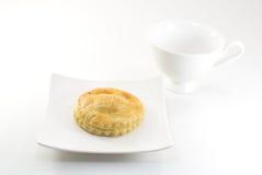 Empanada y taza del atún Imagen de archivo