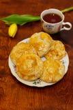 Empanadas de carne con té Fotografía de archivo libre de regalías