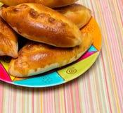 Empanadas de manzana hechas en casa frescas Imágenes de archivo libres de regalías
