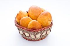 Empanadas en cesta Foto de archivo libre de regalías
