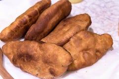 Empanadas fritas con el relleno de la carne fotos de archivo libres de regalías