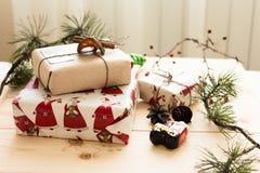 Empaquetado del regalo del Año Nuevo Fotos de archivo libres de regalías