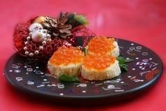 Emparedado con el caviar rojo Foto de archivo