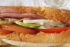 Emparedado de jamón en el pan del Baguette Fotos de archivo libres de regalías