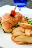 Emparedado del Croissant Imagen de archivo libre de regalías