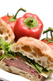 Emparedado del pan del ciabatta del queso del boursin de la carne de vaca de carne asada Foto de archivo libre de regalías
