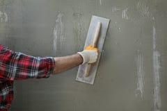 Emparede el aislamiento, separando el mortero sobre malla y la espuma de poliestireno foto de archivo