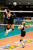 Emparejamiento de Volleybal - todo el juego de la estrella - calentamiento Imagenes de archivo