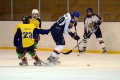 Emparejamiento del icehockey de la juventud de Kaposvar - de Vasas Fotografía de archivo libre de regalías