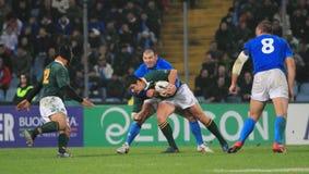 Emparejamiento Italia del rugbi contra Suráfrica - el estadio de Friuli Foto de archivo