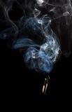 Emparejamientos que fuman Lucifers imagen de archivo