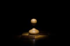 Empeño del pedazo de ajedrez Foto de archivo
