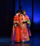 Emperatrices confiar-desilusión-modernas huérfanas del drama en el palacio imagenes de archivo