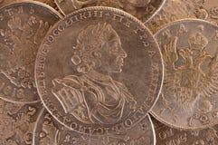 Empereur Peter A de Russe de la pièce de monnaie 1722 de rouble d'argent de fond de vintage Autocrate de la toute la Russie Image stock