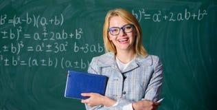 Empfehlung für Collegekonzept Antragbuchstabe-Empfehlungslehrer Empfehlung spitzt Anwendung Großer Buchstabe stockfoto