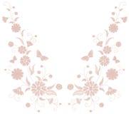 Empfindliche hellrosa beige Blumenstickerei Feldkrautschmetterlingsmode-Textildruck Dekorativer aufwändiger neutraler Flecken Stockfotos