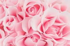 Empfindlicher rosa Hintergrund von blühenden Rosen lizenzfreies stockbild