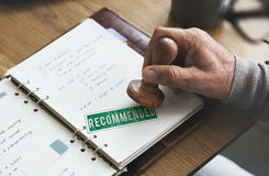 Empfohlenes Angebot verweisen Zufriedenheits-Vorschlags-Konzept Lizenzfreies Stockbild