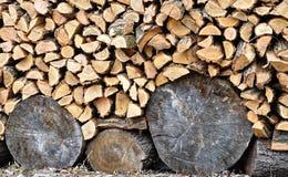 Empilés rondins en bois Photo libre de droits