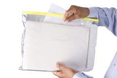 Empilant ou maintenant des documents sans risque et d'une manière ordonnée dans un transparent photo stock