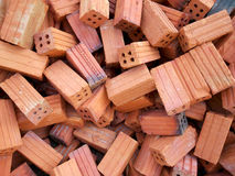 Empilez un plancher avec les briques rouges Photo libre de droits