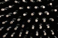 Empilhado acima das garrafas de vinho Fotografia de Stock Royalty Free
