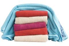 Empilhado de toalhas coloridas Fotografia de Stock