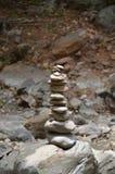 Empilhando rochas Foto de Stock