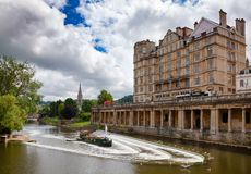 Empire Hotel And The Pulteney Weir On River Avon At Bath Somerset South West England UK Stock Photos