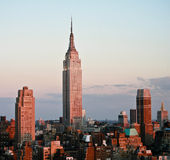 Empire State Building antes do por do sol Foto de Stock Royalty Free
