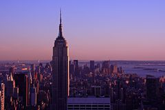 Free Empire State Building At Dusk Royalty Free Stock Images - 5548519