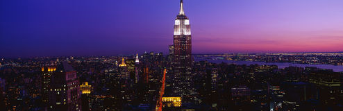 Empire State Building au coucher du soleil Photographie stock libre de droits