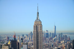 Empire State Building con el panorama de Manhattan fotos de archivo