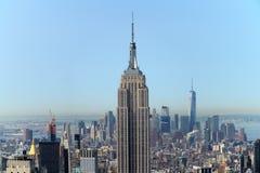 Empire State Building con el panorama de Manhattan imagen de archivo